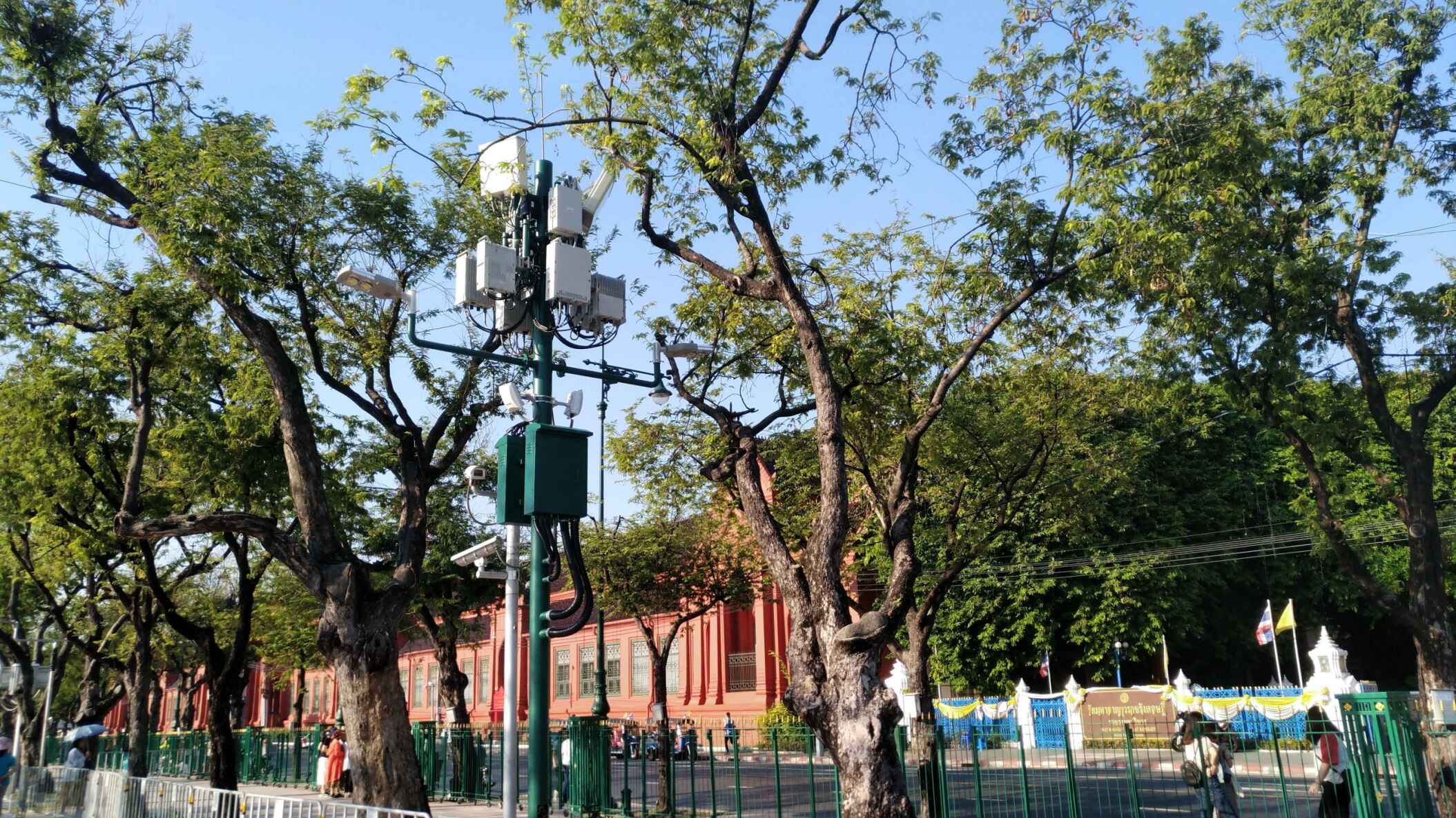 Lithium battery application in smart street light project